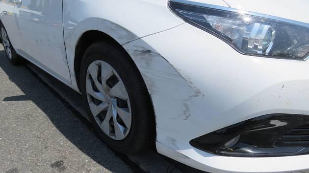 Řidič svou nehodu hájil kuriózně: kýchnutím.