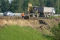 Stavba připojovacích pruhů na exitu u Vranovic