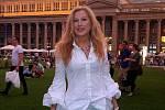 Lilian Amann v centru Stuttgartu před vypuknutím nákazy Covid-19. Na snímku Schlossplatz Stuttgart, což je místo, kde se lidé dříve rádi setkávali.