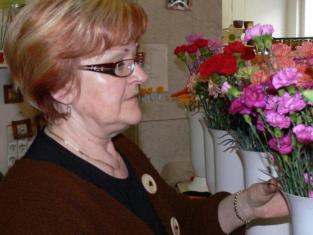 S květinami je Lodesová jedno tělo jedna duše.