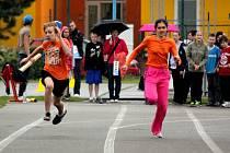 Ve čtvrtek soupěřily děti a základní školy z Prostějovska o Odznak všestrannosti olympijských vítězů. Ročník 2013 byl již čtvrtým v řadě. Podporu malým sportovcům přijela vyjádřit i bronzová medailistka z olympiády v Atlantě Šárka Kašpárková