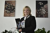 Nejznámější český výrobce oříšků sídlí v Čelčicích. Generální ředitelkou firmy Alika je Jana Kremlová.