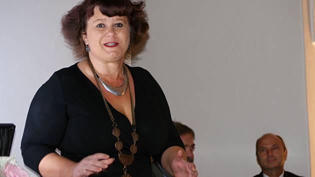 Ustavující jednání zastupitelstva města Plumlova v obřadní síni plumlovského zámku - 5. listopadu 2018 - starostka města Gabriela Jančíková