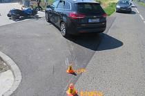 Nehoda auta s motorkou u Výšovic
