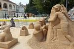 Sochy z písku na náměstí T.G. Masaryka v Prostějově od sochaře Mariána Maršálka.