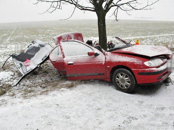Tragická nehoda na silnici Ohrozim - Vícov