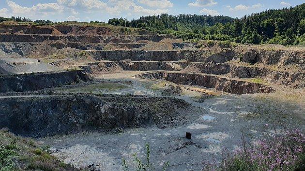 Quarry Chornice (معدن در نزدیکی Chobyně در Konicko)