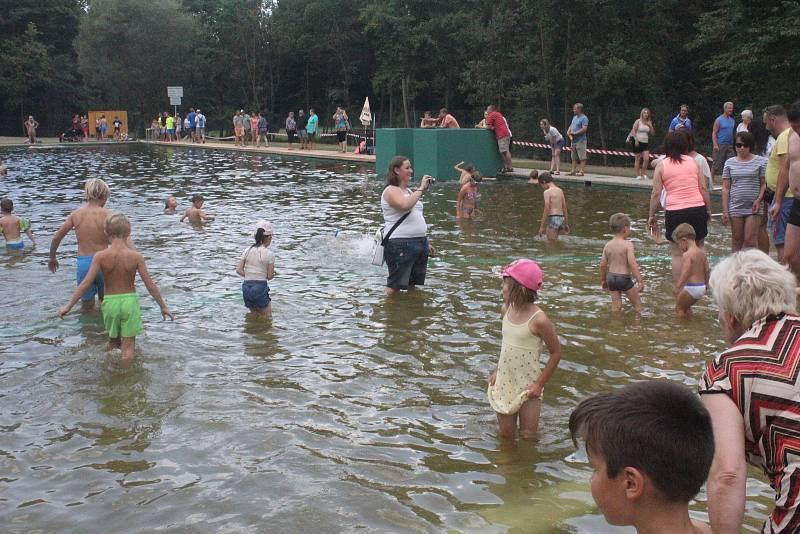 Bio koupaliště v Otaslavicích. Ilustrační foto