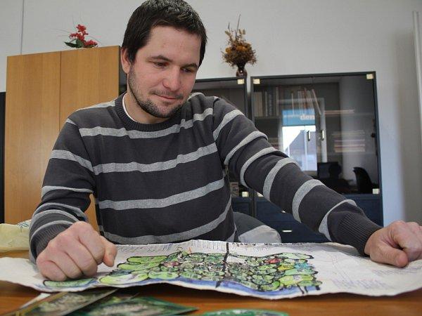 Autor projektu vrahovického arboreta Tomáš Peka