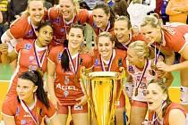 Prostějovské volejbalistky obhájily titul mistryň české extraligy. V úterý večer porazily v Praze Olymp 3:0 na sety a mohou slavit šestý triumf v řadě.