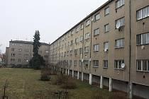 Parlament - Městský dům na křižovatce ulic Jezdecká a Šárka