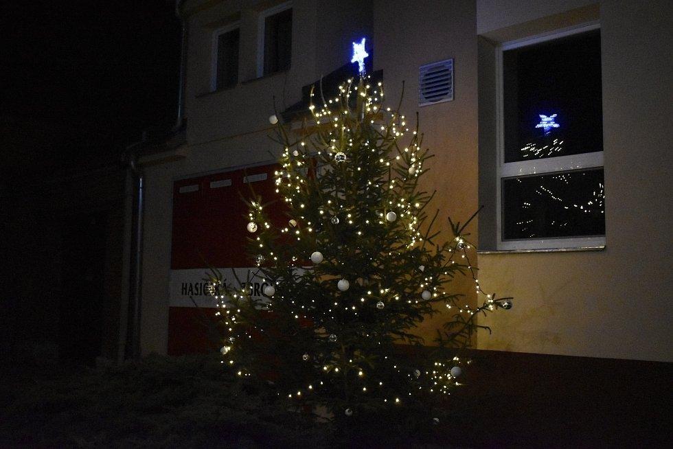 Vánoční strom 2020 v Čechovicích