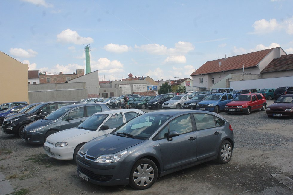Parkoviště v Komenského ulici v Prostějově - 22. května 2018