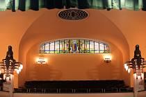 Obnovená secesní vitráž a rekonstruovaný vestibul v prostějovském divadle