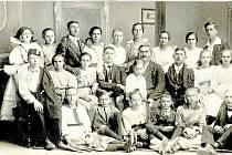 Jednota Orel v roce 1921. Na fotografii členové katolické Omladiny, kteří založili v roce 1921 Jednotu Orel. Ta se po roce 1990 neobnovila.