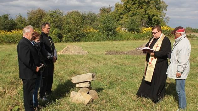 Vysvěcení základního kamene Domova pro seniory v Bedihošti