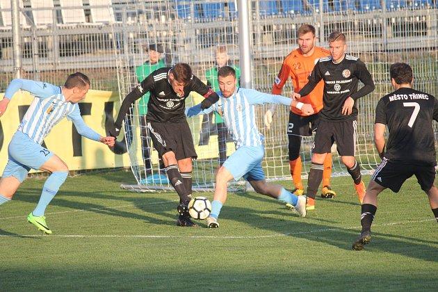 Fotbalisté Prostějova (vmodrém) proti Třinci