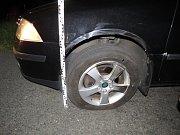 Řidič narazil se svým autem do jiného. Na nic nečekal a z místa nehody ujel.