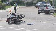 Nehoda motocyklisty v křižovatce Plumlovské a Západní ulice v Prostějově