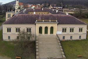 Zámek v Čechách pod Kosířem