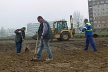 Nový Lidl poblíž Anenské ulice by měl přivítat první zákazníky na jaře 2009.