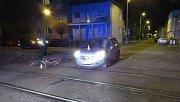 Srážka cyklistky s autem v Prostějově