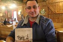 Jaroslav Dvořák s nově vydanou knihou