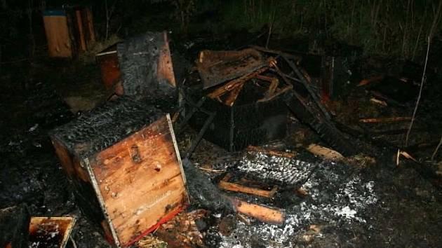 Požár včelína v Držovících
