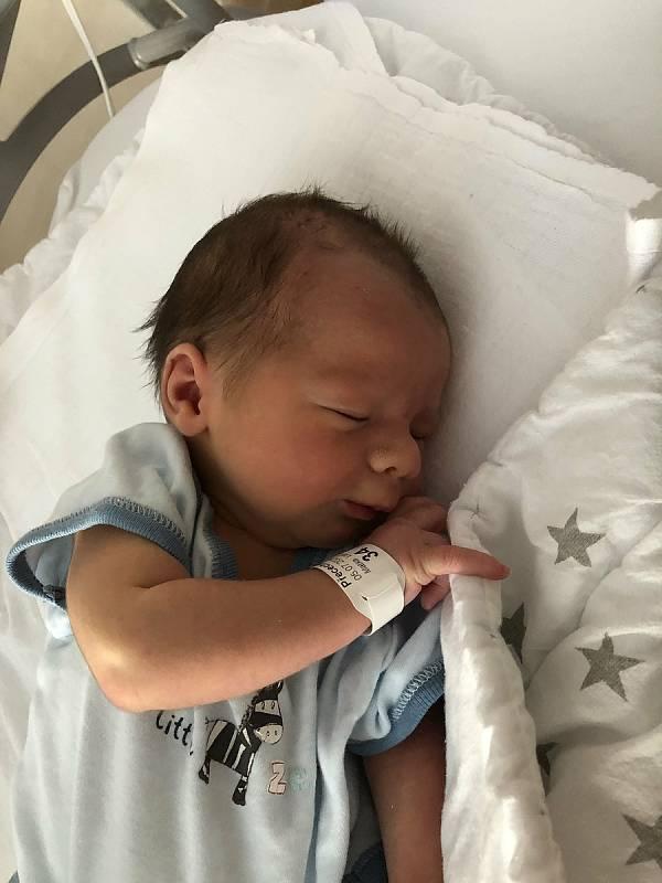 Vít Přecechtěl, narozen 5. července 2021 v Olomouci, míra 47 cm, váha 2790 g