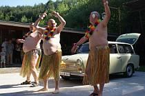 Bílý den v Hamrech - recesistická show Hawaiian Trabant