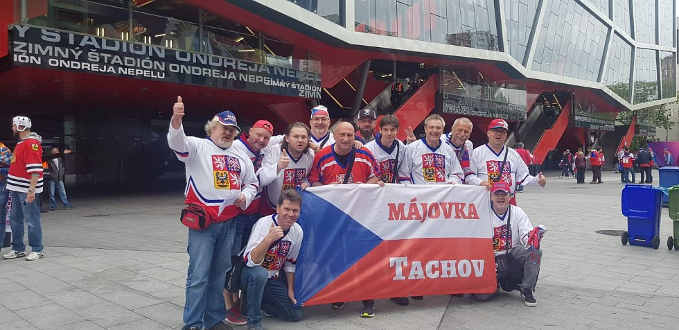 I fanoušci z Tachova fandí v Bratislavě a chtějí být vidět i na webu Prostějovského deníku