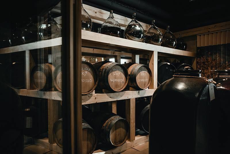 PÁLENKA S LÁSKOU. Jan a Růžena Kleinerovi zasvětili svůj život výrobě originálních destilátů.