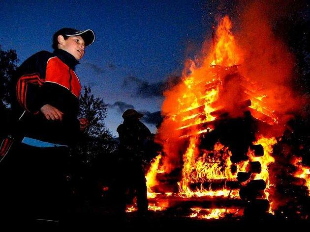 S rizikem vzniku požárů souvisí i oslava pálení čarodějnic, která proběhla o víkendu.
