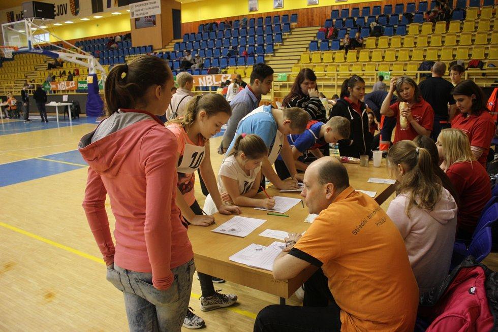 Na sedm desítek šesťáků se ve čtvrtek zúčastnilo klání O Pohár Zdravého města Prostějova. Čekaly je křížovky i jízda zručnosti.