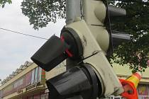 Rozbitý semafor v Plumlovské ulici