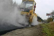 Oprava silnice u Žešova