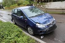 Čtvrteční nehoda v Mostkovicích se obešla bez zranění