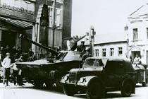 Okupace Československa v srpnu 1968 si v Prostějově vyžádala tři oběti. Zastřelili je sovětští vojáci, kteří se 25. srpna přesouvali přes Prostějov z Olomouce do Brna a bez jakéhokoliv varování spustili palbu do lidí na ulici.