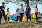 Stovky dětí se bavily na Velikonočním festivalu ve sběru vajíček, fotbalové hřiště Čechovice. 22.4. 2019