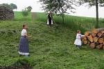 Sečení tráve v Pivíně
