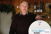 Někteří z majitelů vinoték na Prostějovsku se obávají konce. Mohlo by ho podle nich způsobit omezení prodeje sudového vína.