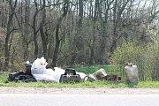 V Kobeřicích se školáci z Brodku u Prostějova vrhli do čištění okolí říčky Brodečky 5.4. 2019