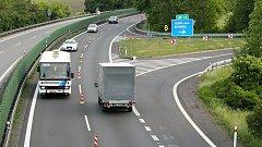 Kvůli budování připojovacích pruhů u Olšan se mezi Olomoucí a Prostějovem jezdí jen po polovině dálnice