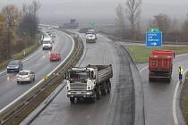 U Olšan probíhá uzavírka rychlostní silnice R46