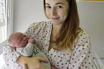 Kristýnka s maminkou Monikou z Křenůvek. První miminko Olomouckého kraje roku 2020 se narodilo v Prostějově