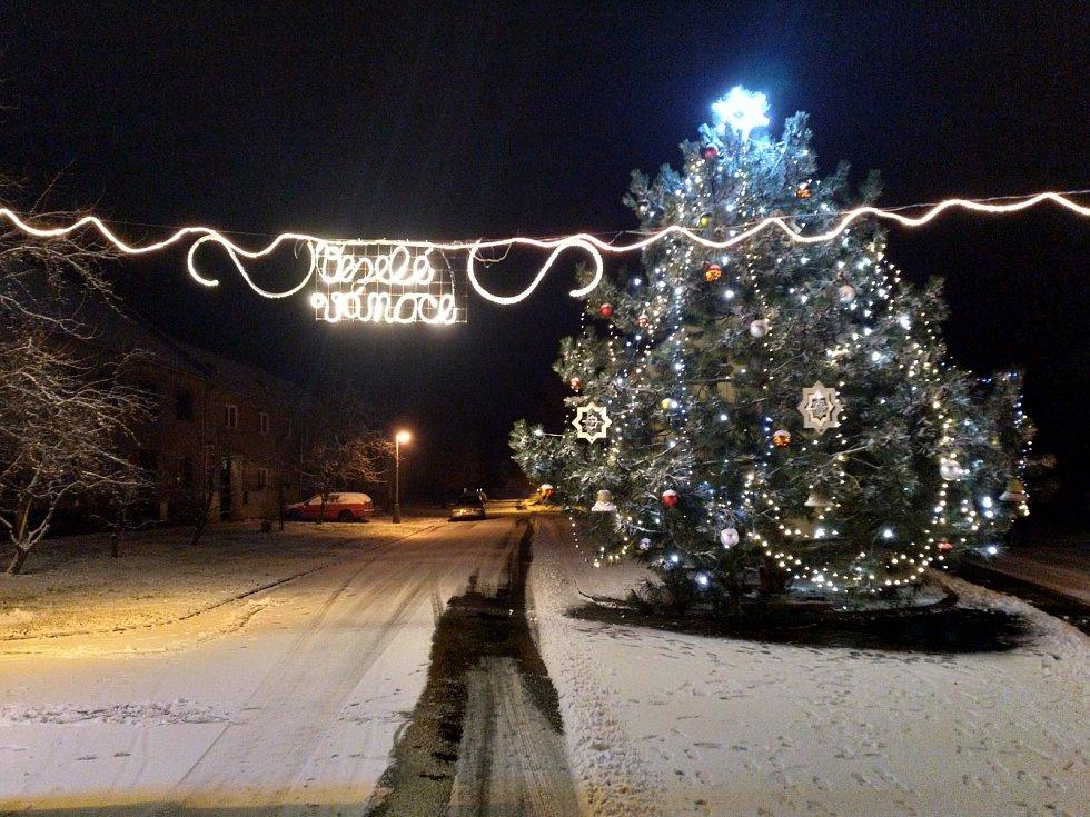 Vánoční strom 2020 - Rataje u Olomouce