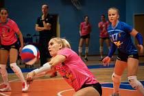 Volejbalistky Prostějova (v růžovém) porazily Přerov 3:0.