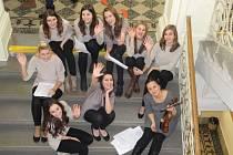 Už po několikáté zazpívají na celostátní akci Česko zpívá koledy, také Múzy, dívky z prostějovského gymnázia Jiřího Wolkera pod vedením Dity Přikrylové.