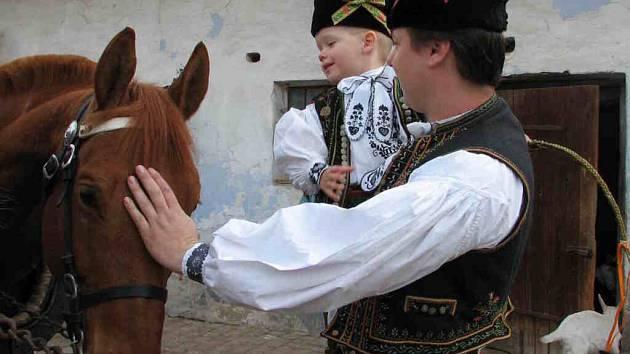 Koně byly naparádění stejně jako děti.