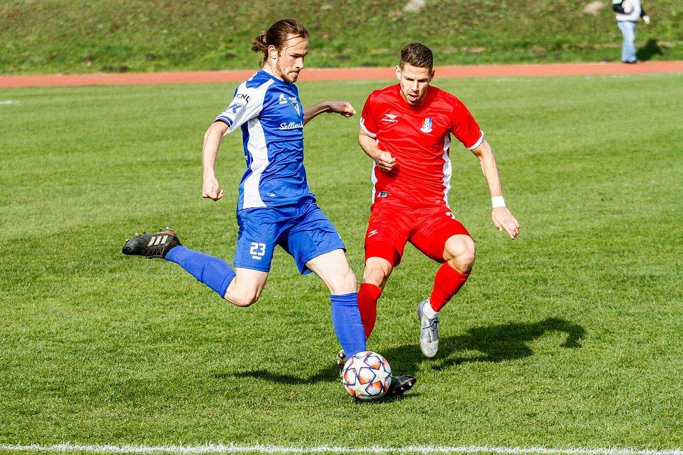 Blanenští fotbalisté (v červeném) porazili Vlašim 2:0.